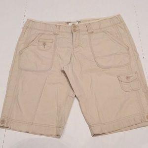 American Eagle Khaki Shorts Size 14